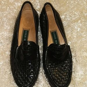 Cole HAAN black braided leather loafers. SIZE  6.5